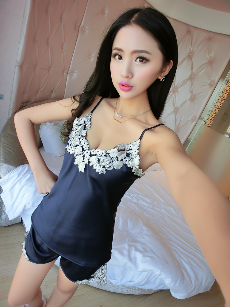 Ladies Sexy Silk Satin Pajama Set Lace Pyjama Set Sleeveless Pijama Set V-neck Sleepwear Summer Home Wear Sleep Wear For Women
